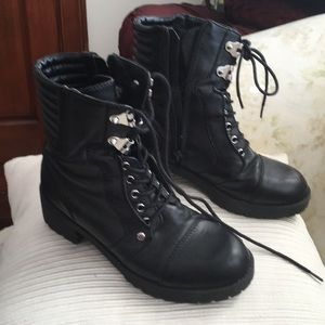 Guess faux leather lace up and zip combat boots